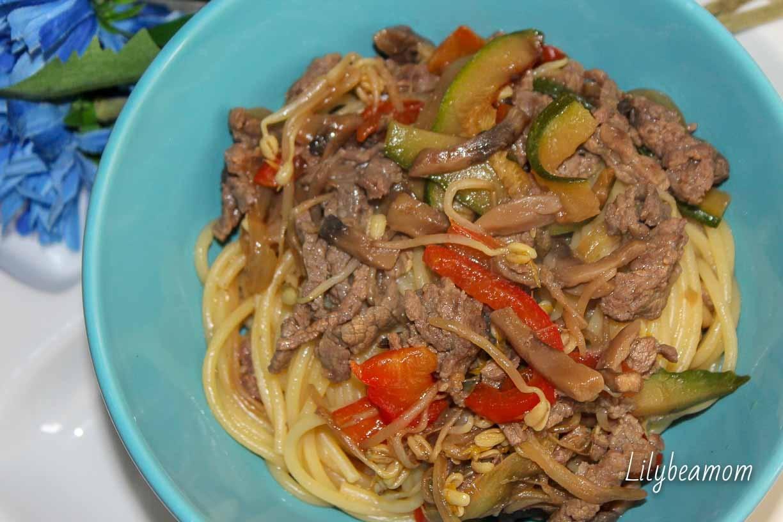 Spaghetti vitello verdure e salsa teriyaki | paninisopraffini.com
